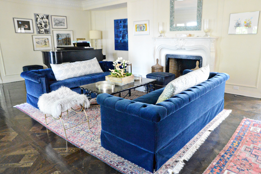 This room did not need much. Reupholstering Vintage sofas was all this room really needed. Click here to read how easy it is to get this gorgeous look  #makeover #livingroom #vintagesofas #interiordesign | @D.L. Rhein