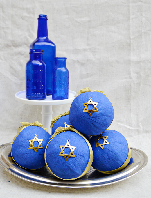 Going to a Hannukah Party? Hannukah Surprise Balls - $18 - The Perfect Gift | @D.L. Rhein