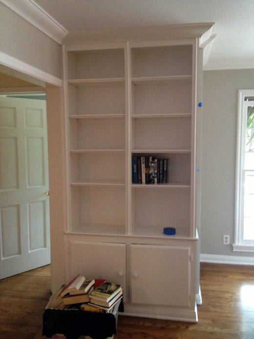 A big Bookshelf Makeover #juging #makeover #dlrhein #interiordesign #shelfdecor | @D.L. Rhein