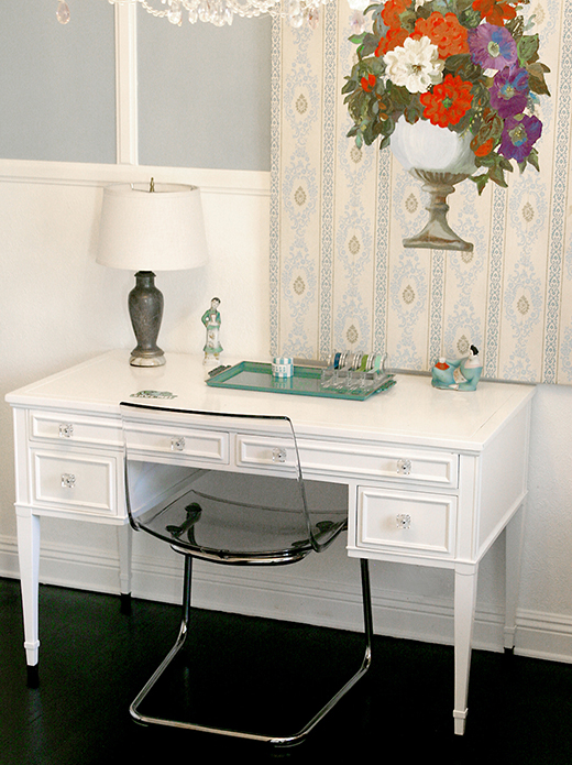 Fab revamped vintage desk in white lacquer with #CB2 lucite chair | #DLRhein